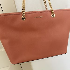 Michael Kors Tote Pink Large Bag Like New for Sale in Austin, TX
