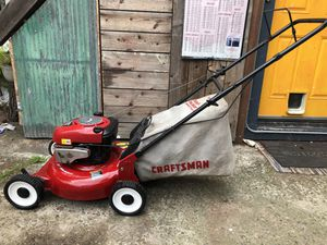 Clean Craftsman 6.5hp Lawnmower for Sale in Oakland, CA