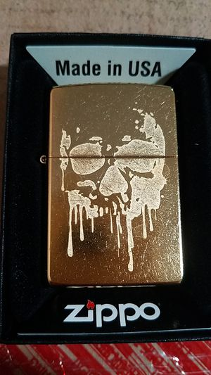 Zippo grunge skull gold dust 29401 for Sale in Los Angeles, CA