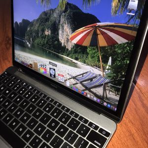 """2015 Apple MacBook Retina i3,8Gb,512Gb SSD,12"""" LCD,Charger,Catalina w/Logic Pro,Final Cut,Photoshop For Thanksgiving Sale for Sale in Monterey Park, CA"""