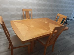Wood dining table and 4 chairs for Sale in Orlando, FL