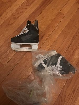 American Athletic Shoe Boy's Ice Force Hockey Skates, Black, 10 for Sale in Chicago, IL