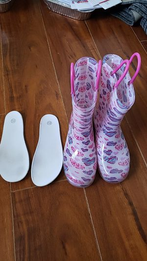 Size 13 rain boots for Sale in Cypress, CA