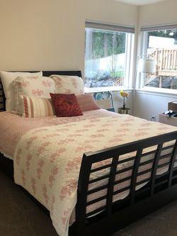 Queen Bed Set for Sale in Kirkland,  WA
