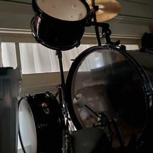 Drums In Very Good Shape for Sale in Los Angeles, CA