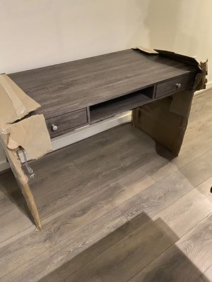 Office desk w/ glass stand for Sale in Washington, DC