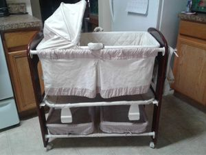 Baby Changing Table for Sale in Kissimmee, FL
