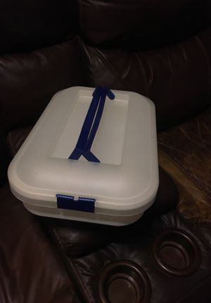 Locking cake storage container for Sale in Houston, TX