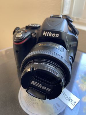 Nikon D5100 with 3 lenses, batteries, charger, & case for Sale in Chula Vista, CA