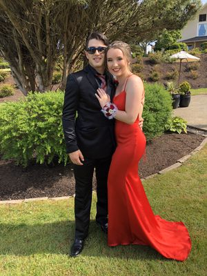 Sherri Hill Red Prom Dress for Sale in Monroe, WA