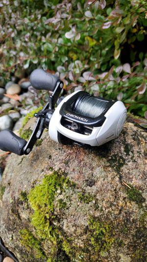 Shimano chronarch 200e7 baitcast fishing reel for Sale in Duvall, WA