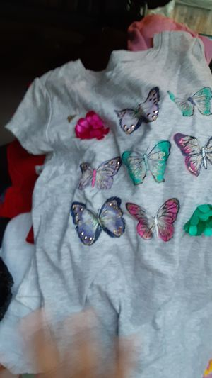Kids clothes girls and more please message menif interested I have Bout 4 orn5 bags. for Sale in Hemet, CA