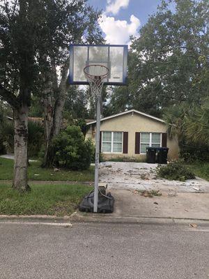 Adjustable basketball hoop for Sale in Orlando, FL