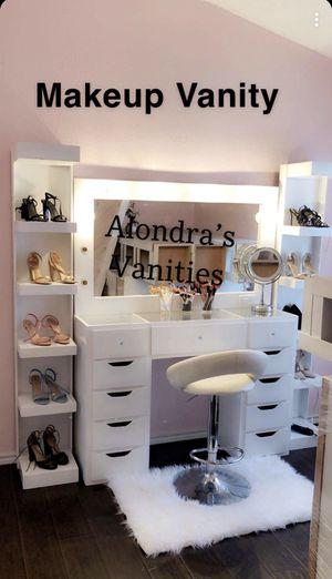 Makeup vanity for Sale in Dallas, TX