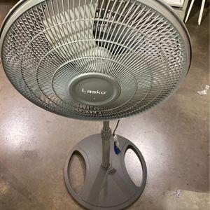 Lasko Adjustable-Height 16 in. Oscillating Pedestal Fan for Sale in Glendale, AZ