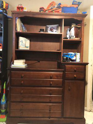 Dresser for Sale in Hialeah, FL