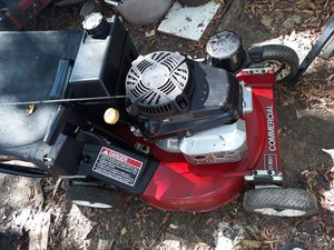 Self propelled commercial Toro lawnmower for Sale in Irving, TX