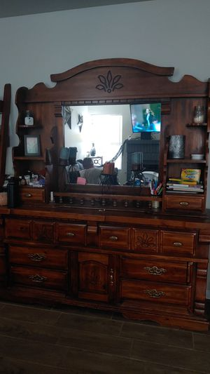 Antique Hutch and Dresses for Sale in Las Vegas, NV