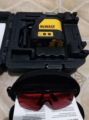 Laser de línea, marca Dewalt for Sale in Miami, FL