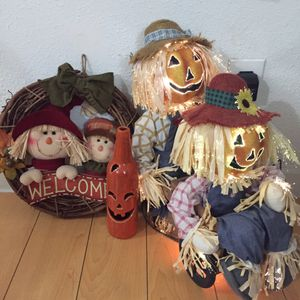 Fall Scarecrows and pumpkin bottle 🎃 home decor bundle for Sale in Lawndale, CA