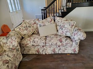 Couch and love seat for Sale in Fontana, CA