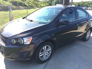 2015 chevy sonic for Sale in Akron, OH