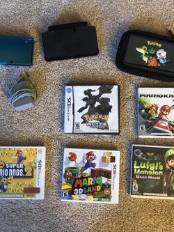 3DS w/ 5 games and original charger/ charging doc for Sale in Chantilly,  VA