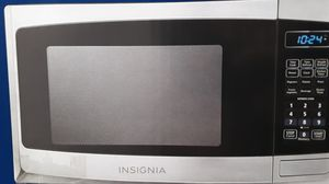 $60 _OBO _ BRAND NEW *STAINLESS -* INSIGNIA -MICROWAVE 0.9CUFT for Sale in Fresno, CA