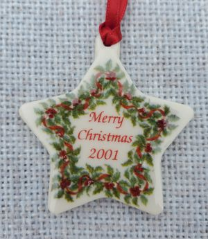 Longaberger 2001 Merry Christmas Ceramic Star Tie-On for Sale in Richardson, TX