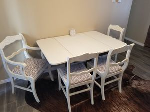 Kitchen table with 4 chairs for Sale in Fort Worth, TX