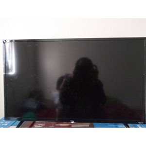 32 inch smart TV 130 or best offer pick up only for Sale in Las Vegas, NV