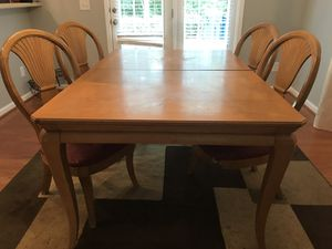 dining room table and chairs for Sale in Raleigh, NC