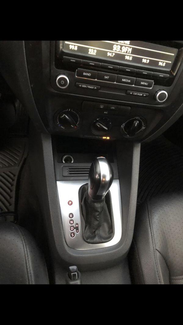 2014 Volkswagen Jetta 1.8t SE 1 owner needs nothing!