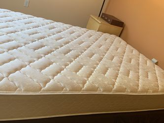 Mattress and Box Spring for Sale in Woodinville,  WA