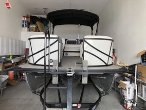 2019 Southbay Tri-toon for Sale in Pomona, CA