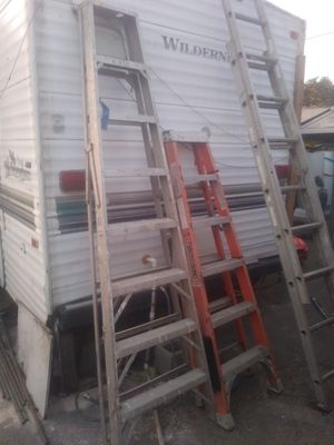 Ladders 3 big ones 3 ESCALERAS GRANDES for Sale in Pomona, CA