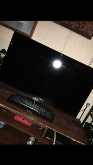 A Samsung 42 inch smart tv in good condition plays really well .asking 175.00 for Sale in Clinton Township, MI