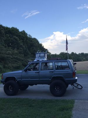 1998 Jeep Cherokee Xj classic for Sale in Saint Leonard, MD