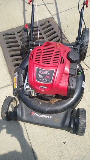 Murray 6.75 horse mower with side and bag discharge for Sale in Ravenna, OH