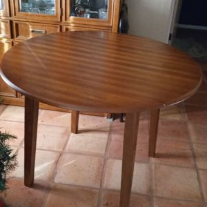 Dining Table, Ashley for Sale in Glendale, AZ