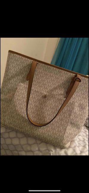 Michael kors purse for Sale in Kentwood, MI