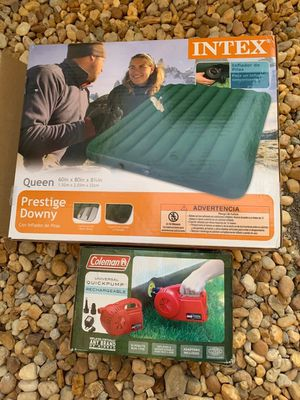 Air mattress with pump size queen for Sale in Miami, FL