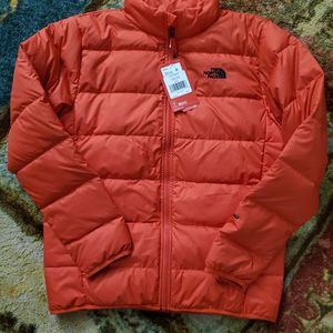 New THE NORTH FACE Puffer Coat Boy XL for Sale in Columbus, OH