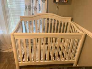 Crib, playpen, photos,bassinet, changing table and crib bedding set for sale for Sale in Chesapeake, VA