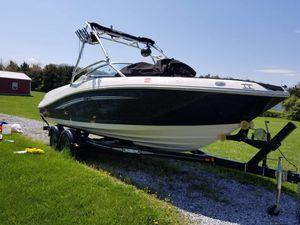 2007 Sea Ray 230 Select w/ Mercruiser 350 Mag for Sale in Staunton, VA