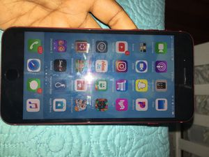 iPhone 8plus *MINT CONDITION* , wireless iPhone headphones & charger included in purchase for Sale in Boston, MA