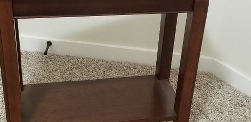 End Table for Sale in Arlington,  WA