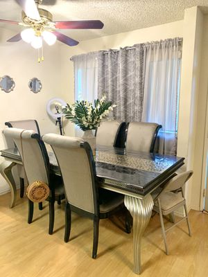 Beautiful Italian Dining Table with 6 Chairs for Sale in Glendale, CA