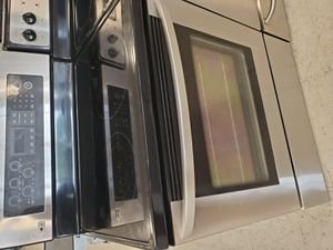 Lg electric stove used in good condition with 90 day's warranty for Sale in Mount Rainier, MD