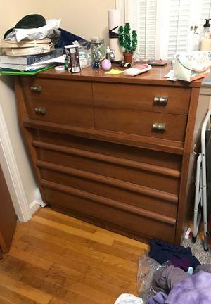 Brown dresser for Sale in Richmond, VA